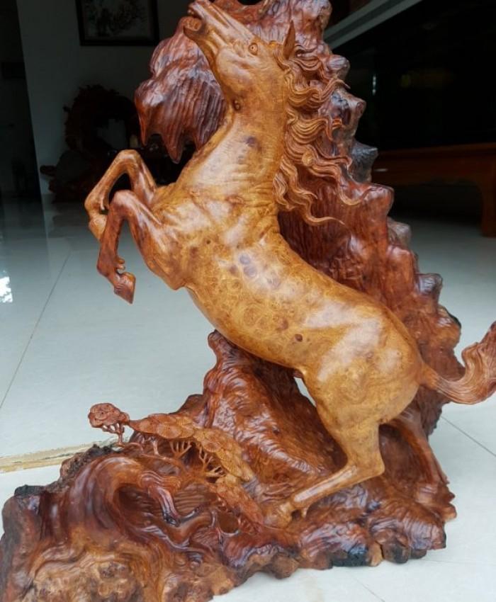 Tuong Con Ngua Nu Huong C
