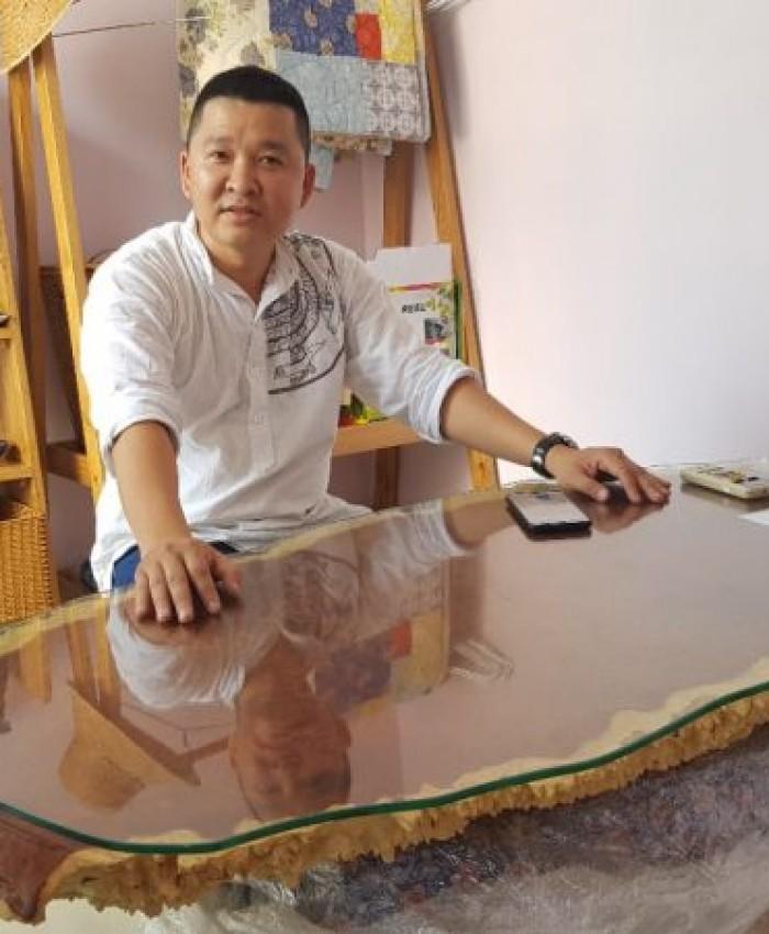 Ban Lam Viec Nu Huong